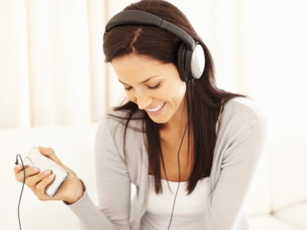 woman-listening-to-podcast